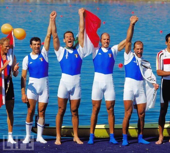 italian-rowers-credit-adam-pretty-allsport.jpg